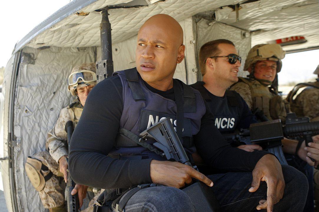 Ein Trupp Marines, der die zuständigen Behörden dabei unterstützt, gegen den Menschenschmuggel an der mexikanischen Grenze vorzugehen, wird mit schw... - Bildquelle: CBS Studios Inc. All Rights Reserved.