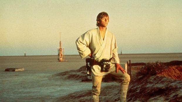 Weil sein Onkel und seine Tante vom Imperium getötet wurden, macht sich Luke...