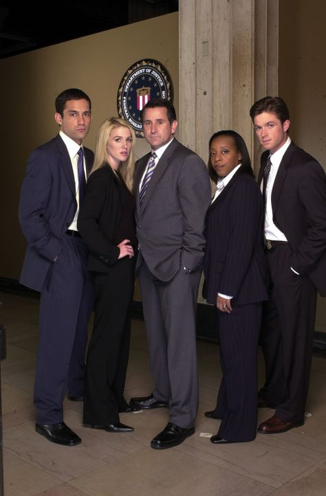 (1. Staffel) - Die Spezialeinheit des FBI für vermisste Personen besteht aus Detective Jack Malone (Anthony LaPaglia, M.), Samantha Spades (Poppy Mo... - Bildquelle: Tony Esparza Warner Bros. Entertainment Inc.