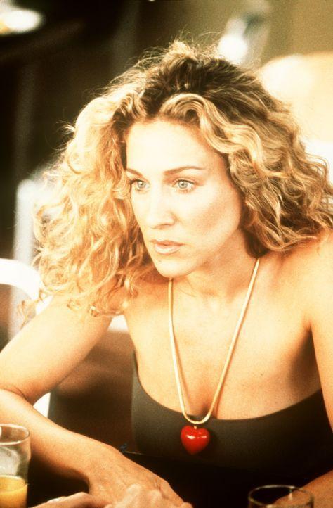Auf Carries (Sarah Jessica Parker) Anraten hin bedient sich Charlotte eines kleinen Tricks, um heimlich herauszufinden, ob Treys Impotenz physische... - Bildquelle: Paramount Pictures