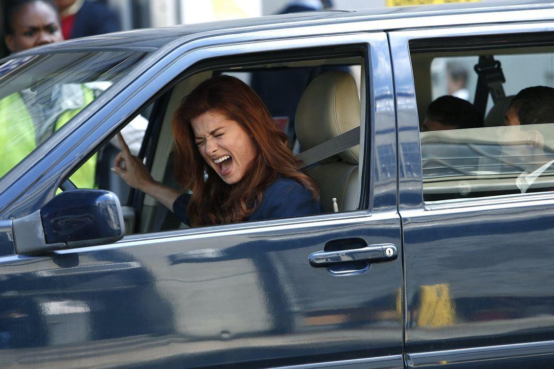 Eine ganz außergewöhnliche Mutter und Polizistin: Laura (Debra Messing) ... - Bildquelle: Warner Bros. Entertainment, Inc.