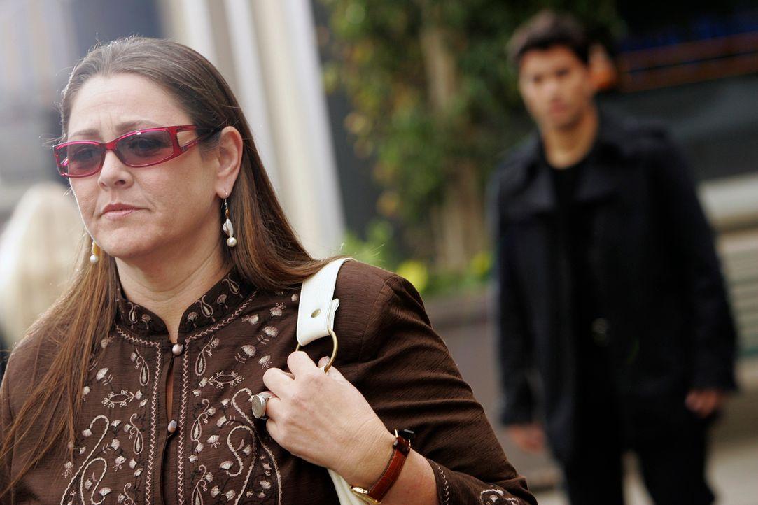 Was hat Gabriel (Ignacio Serricchio, r.) mit Delia Banks (Camryn Manheim, l.) vor? Ist sie in Gefahr? - Bildquelle: ABC Studios