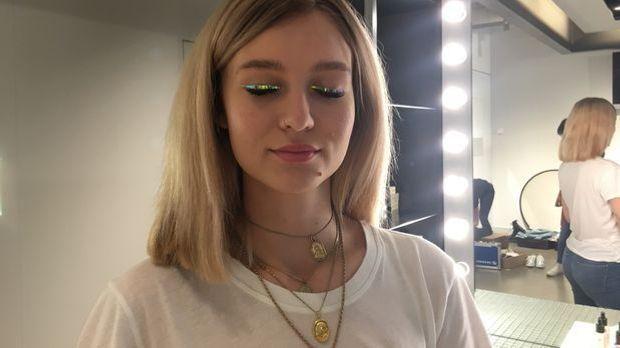 Liedstrich – Dazzleliner – Face Lace by Phyllis Cohen2