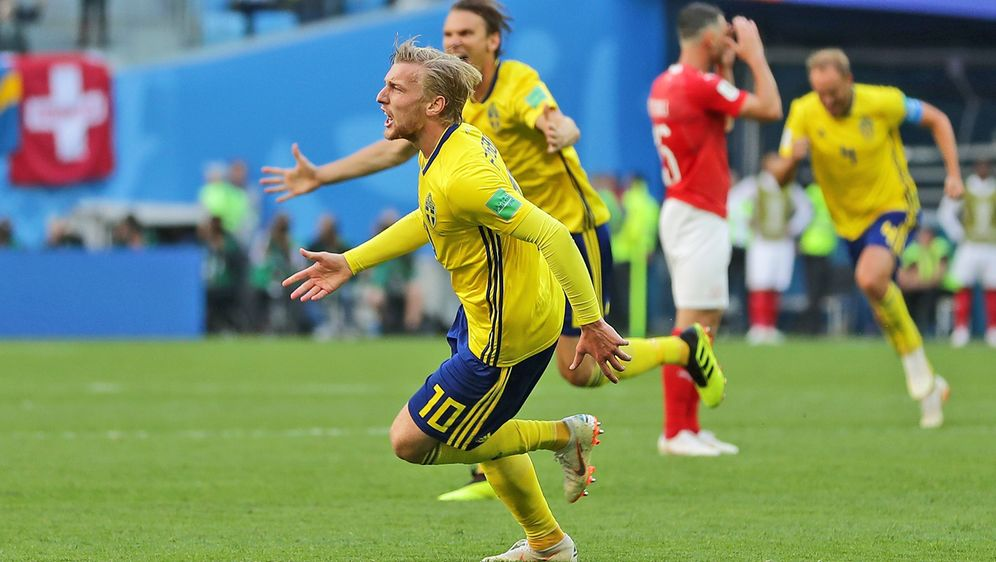 Emil Forsberg schießt das entscheidende 1:0 gegen die Schweiz. - Bildquelle: getty