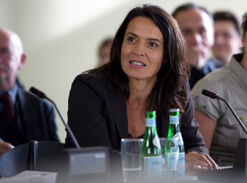 Versucht alles, um die alten AKWs stilllegen zu lassen: die ehemalige AKW-Sicherheitschefin Katja Wernecke (Ulrike Folkerts) ... - Bildquelle: Conny Klein SAT.1