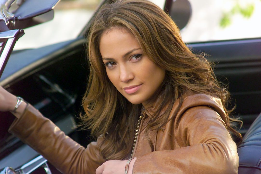 Die lesbische Killerin Ricki (Jennifer Lopez) verdreht ihrem Kollegen Larry Gigli mit ihrer sexy Ausstrahlung gehörig den Kopf ... - Bildquelle: 2004 Sony Pictures Television International. All Rights Reserved.