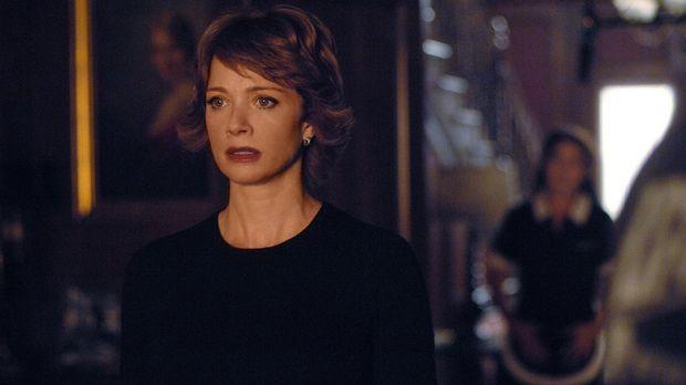 Jenny (Lauren Holly, l.) ist wieder da! Ihr vorübergehendes Verschwinden hat...