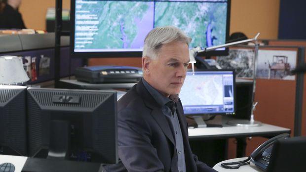 Gibbs (Mark Harmon) und sein Team müssen einen Fall aufklären, bei dem sich z...