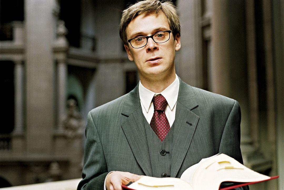 Ausgerechnet der ausgeflippte Terror (Matthias Matschke) befindet sich auf dem besten Weg, als Staatsanwalt Karriere zu machen, als seine Vergangenh... - Bildquelle: 2003 Sony Pictures Television International