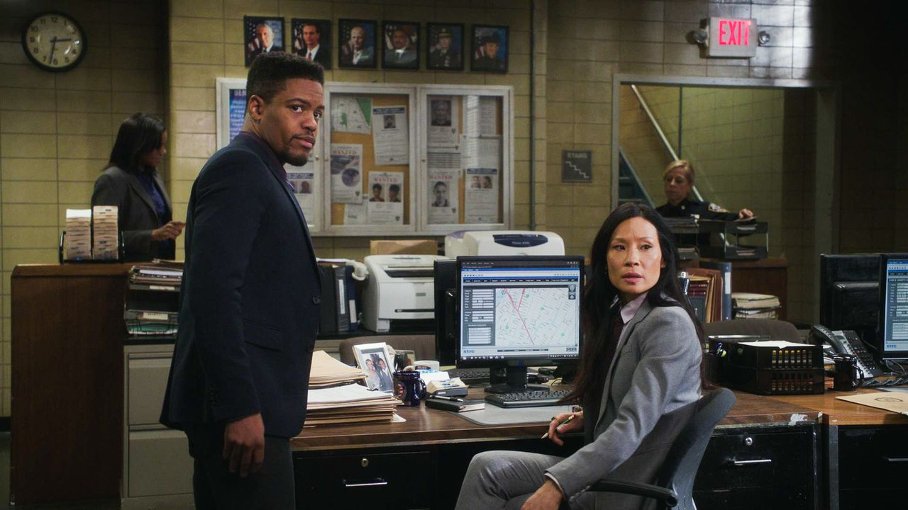 Marcus Bell (Jon Michael Hill, l.); Joan Watson (Lucy Liu, r.) - Bildquelle: 2018 CBS Broadcasting, Inc. All Rights Reserved.