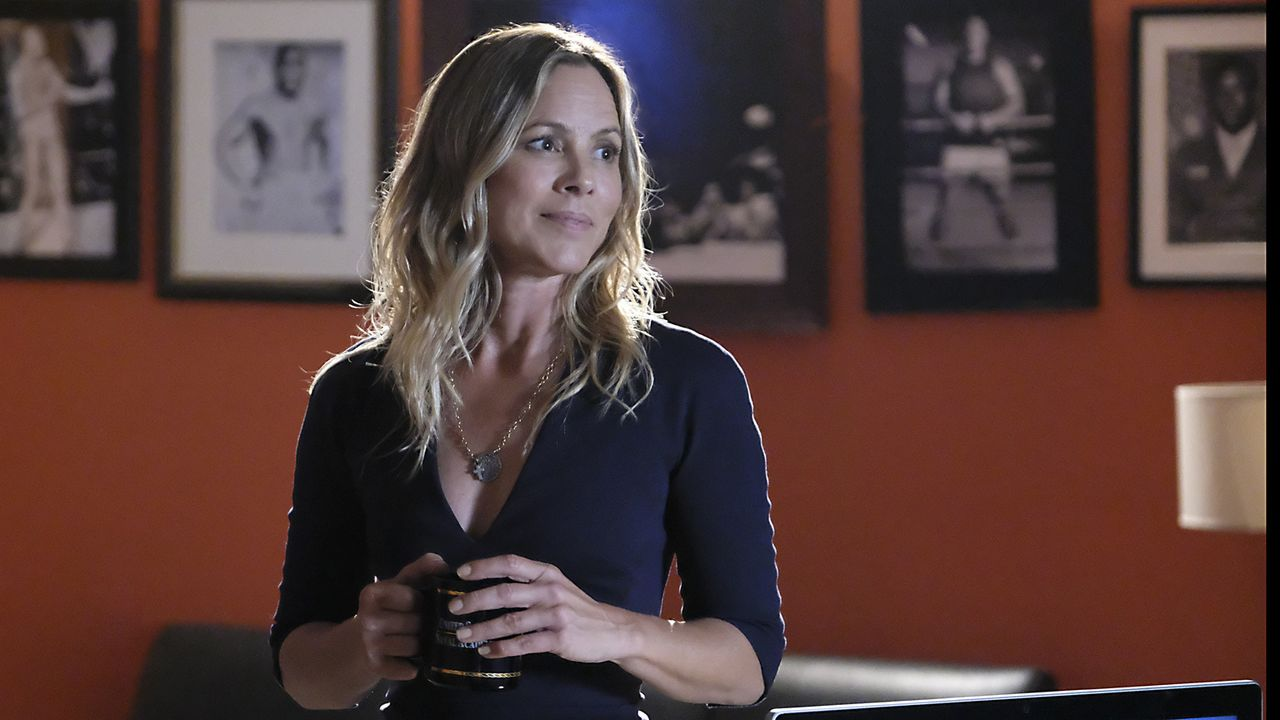 "Der taffe Neuzugang im NCIS-Team ist Agentin Jacqueline ""Jack"" Sloane (Maria Bello). Die Psychologin wechselte von Kalifornien in die Hauptstadt. Ka... - Bildquelle: Patrick Wymore 2017 CBS Broadcasting, Inc. All Rights Reserved."