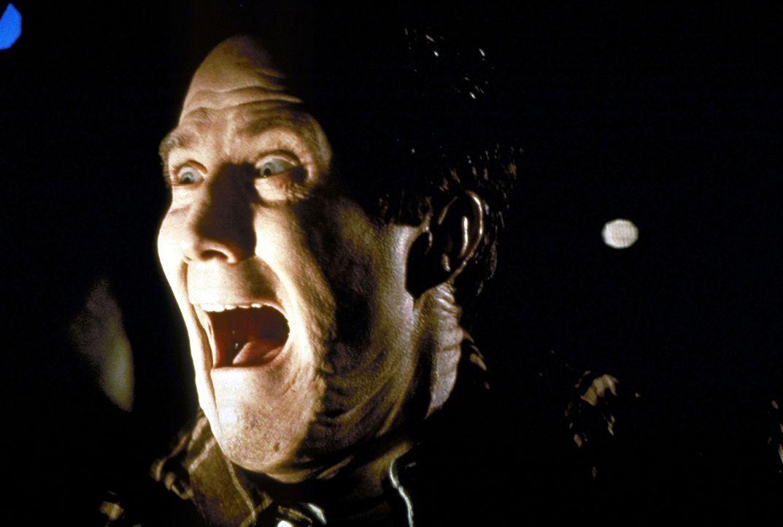 Um seinem albtraumhaften Schicksal zu entgehen, wendet Billy (Robert John Burke) sich schließlich Hilfe suchend an einen ehemaligen Klienten, den Ma... - Bildquelle: Paramount Pictures