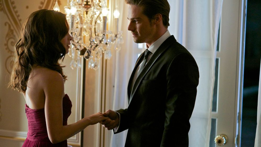 Wer wird Catherines Date? - Bildquelle: 2012 The CW Network, LLC. All rights reserved.