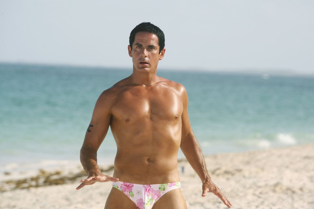 Macht eine gute Figur am Strand: Todd (Robert Maschio) ... - Bildquelle: Touchstone Television