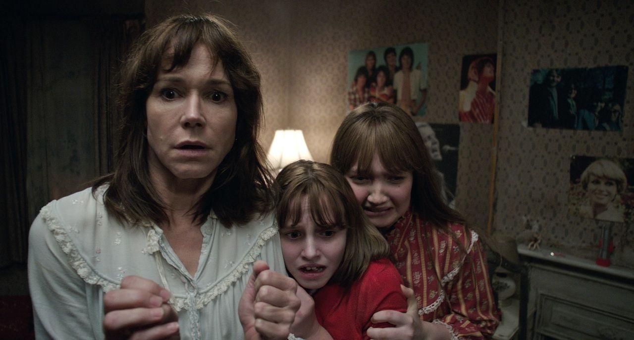 (v.l.n.r.) Peggy (Frances O'Connor); Janet (Madison Wolfe); Margaret (Lauren Esposito) - Bildquelle: Warner Bros.