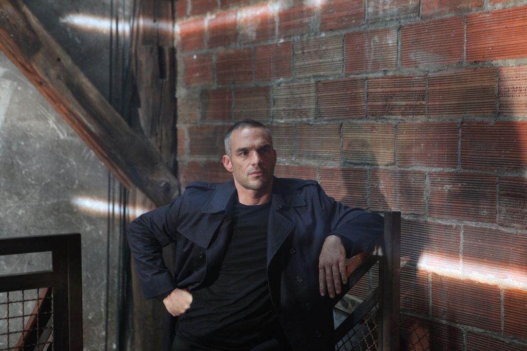 Ein neuer Fall wartet auf Rocher (Philippe Bas) und sein Team ... - Bildquelle: Xavier Cantat 2011 BEAUBOURG AUDIOVISUEL