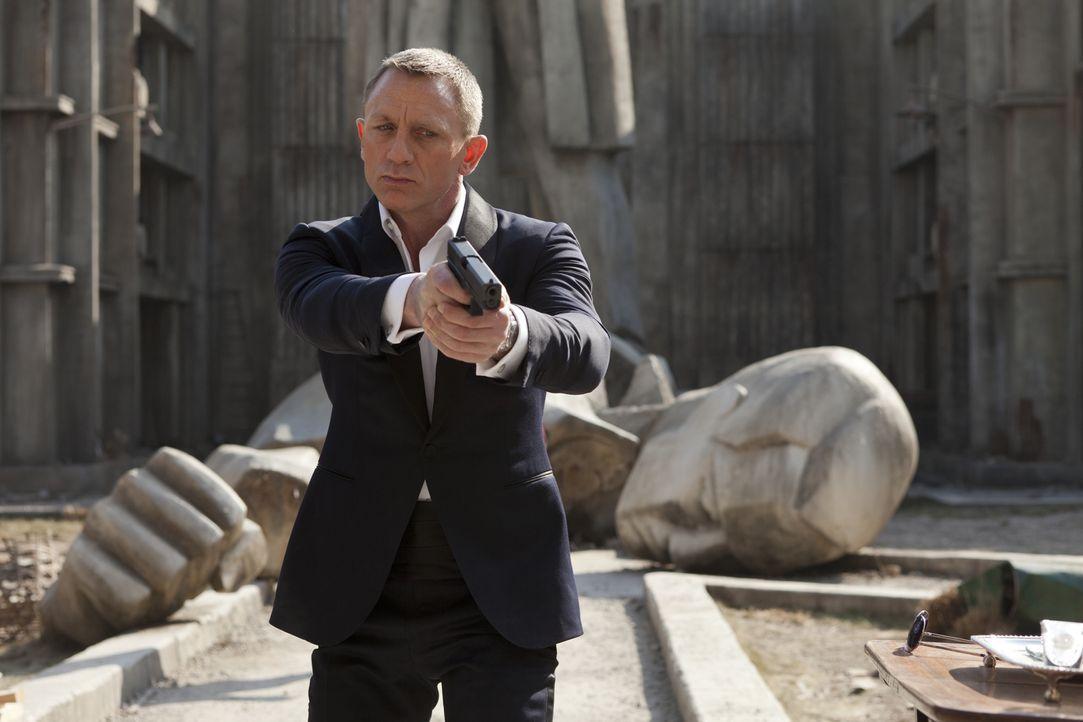 Wieder einmal liegt es an dem Topagenten 007 (Daniel Craig), eine Bedrohung zu identifizieren und auszuschalten - was auch immer es kostet ... - Bildquelle: Skyfall   2012 Danjaq, LLC, United Artists Corporation and Columbia Pictures Industries, Inc. All rights reserved.