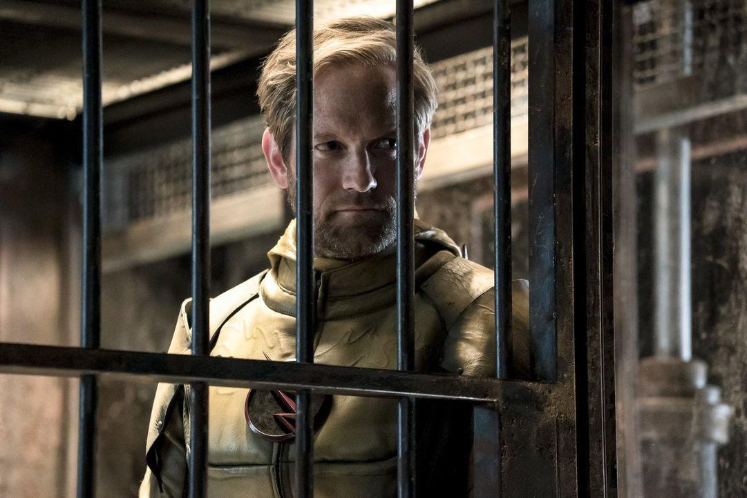 Ist es bereits zu spät, als der Reverse-Flash (Matt Letscher) Barry erklärt, dass seine Taten in der Vergangenheit nicht nur seine Freunde, sondern... - Bildquelle: 2016 Warner Bros.