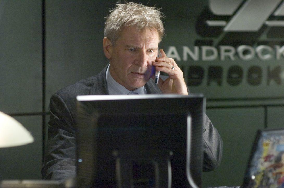 Erlebt den Albtraum seines Lebens: Sicherheitschef einer Bank Jack Stanfield (Harrison Ford) ... - Bildquelle: Warner Bros. Pictures