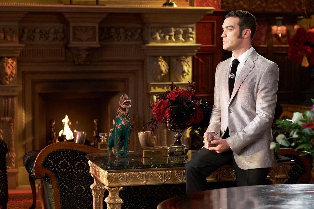 Kann König Cyrus (Jake Maskall) den Thron weiter für sich in Anspruch nehmen? - Bildquelle: 2015 E! Entertainment Media LLC/Lions Gate Television Inc.