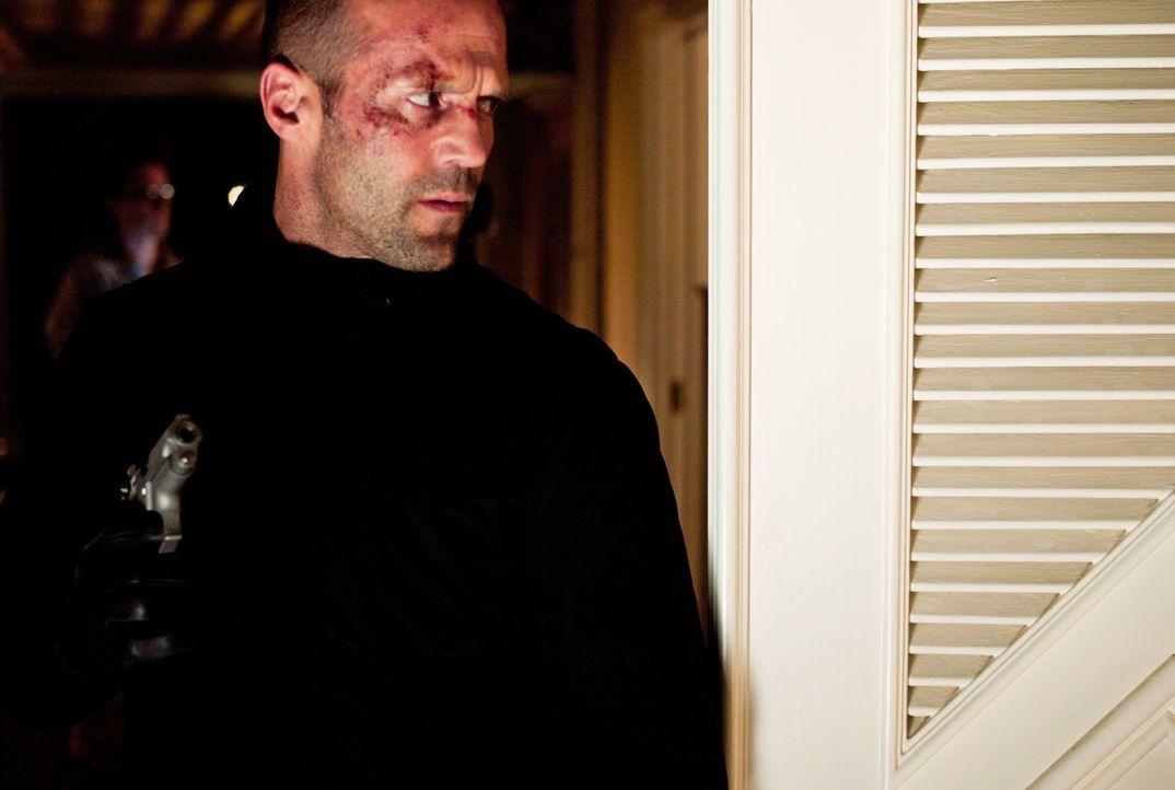 Während Leslie von furchtbaren Nachrichten von ihren Recherchen abgehalten wird, kommt Parker (Jason Statham) seiner Rache immer näher ... - Bildquelle: Jack English 2013 Constantin Film Verleih GmbH