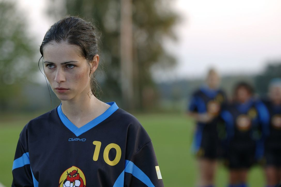 Anna (Nora Tschirner) gibt alles, um das Match gegen die Jungs zu gewinnen ... - Bildquelle: Wüste Filmproduktion