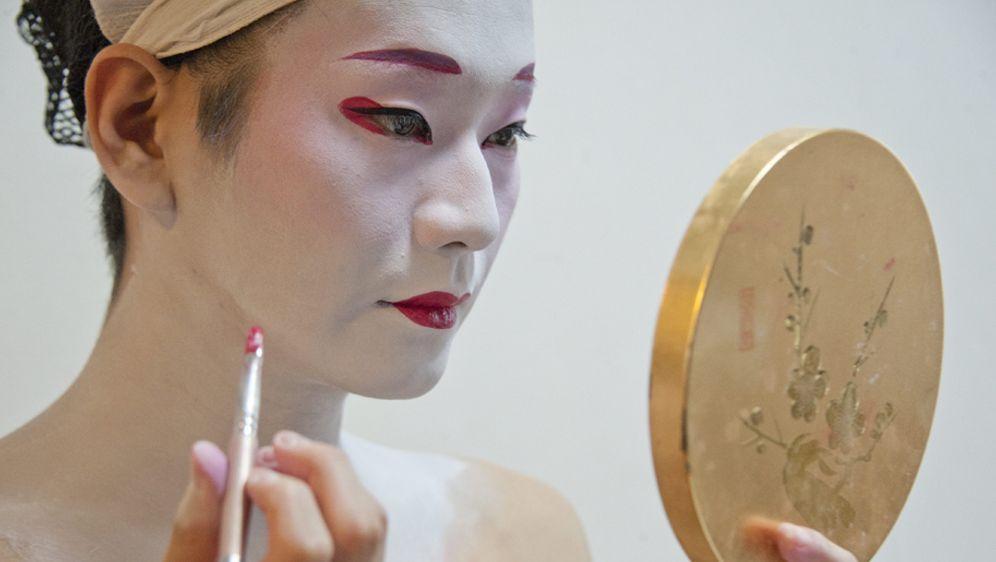 Geisha Schminken Kunstvolles Karnevals Make Up Sat 1 Ratgeber