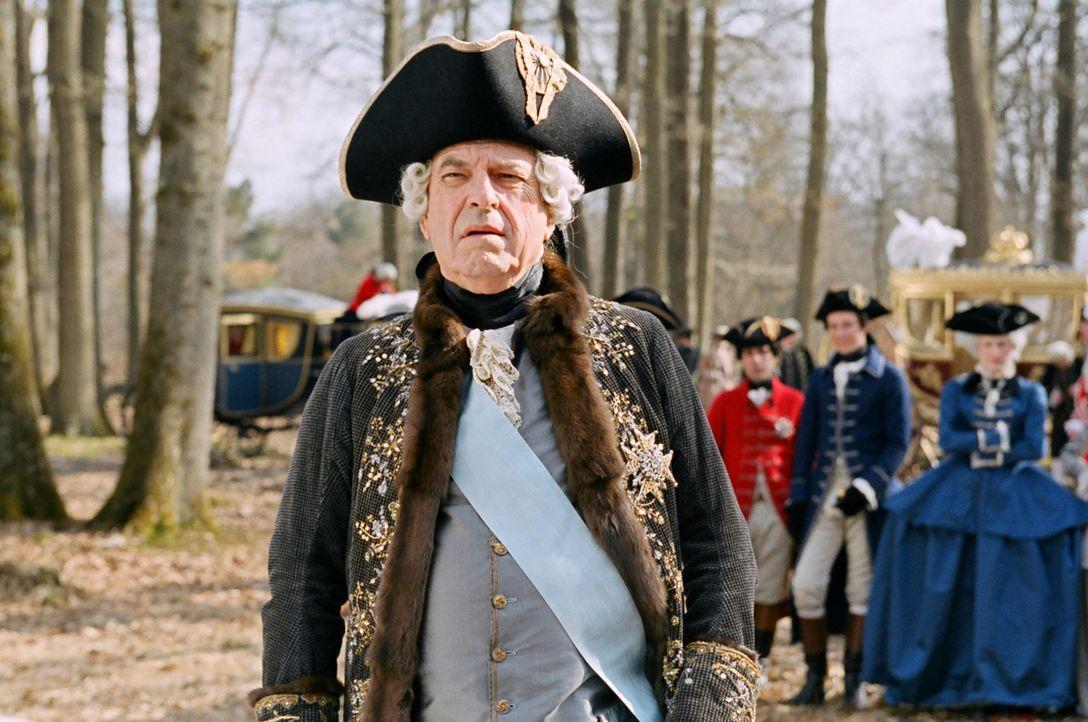 Louis XV (Rip Torn, l.) ist von seiner zukünftigen Schwiegertochter auf Anhieb angetan ... - Bildquelle: 2006 I Want Candy, LLC. All Rights Reserved.