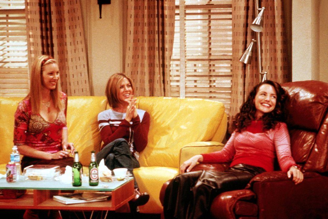Rachel (Jennifer Aniston, M.) und Phoebe (Lisa Kudrow, l.) drängen Joey richtiggehend, Erin (Kristin Davis, r.) den Hof zu machen. - Bildquelle: TM+  2000 WARNER BROS.