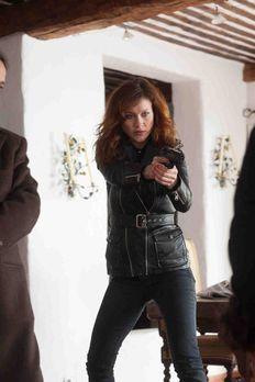 Crossing Lines - Während Eva (Gabriella Pession) ihre Heimatstadt in Italien...