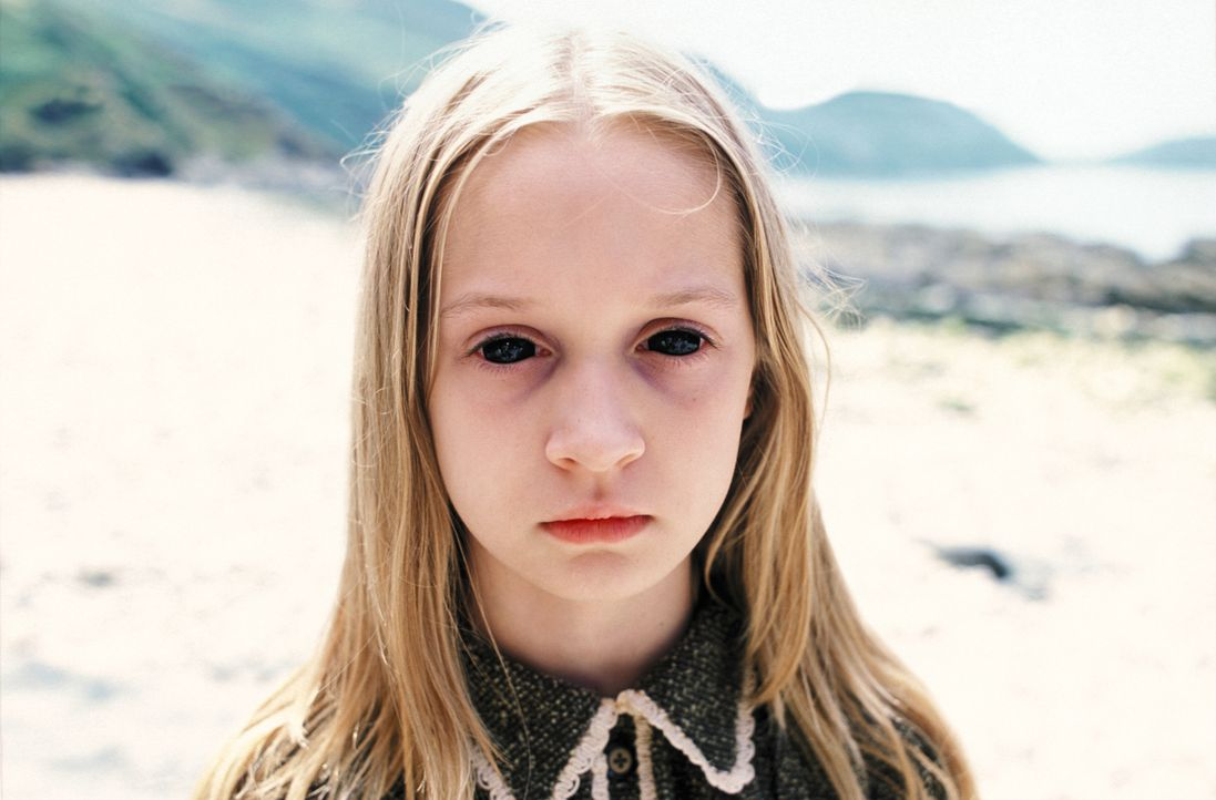 Die in Trennung lebende Adèle besucht zusammen mit Tochter Sarah ihren Ehemann James auf seinem Landsitz in Wales. Bei einem Spaziergang am Strand v... - Bildquelle: Constantin Film