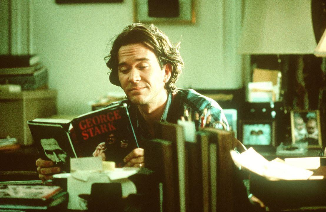 Thad Beaumont (Timothy Hutton) hat spezielle Riten, die er einhält, bevor er anfängt sich in die Psyche seines Pseudonyms George Stark zu denken,... - Bildquelle: Orion Pictures Corporation