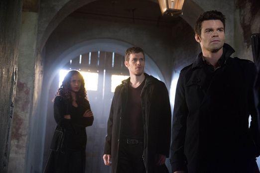 Celeste, Klaus und Elijah - Bildquelle: Warner Bros. Entertainment Inc.