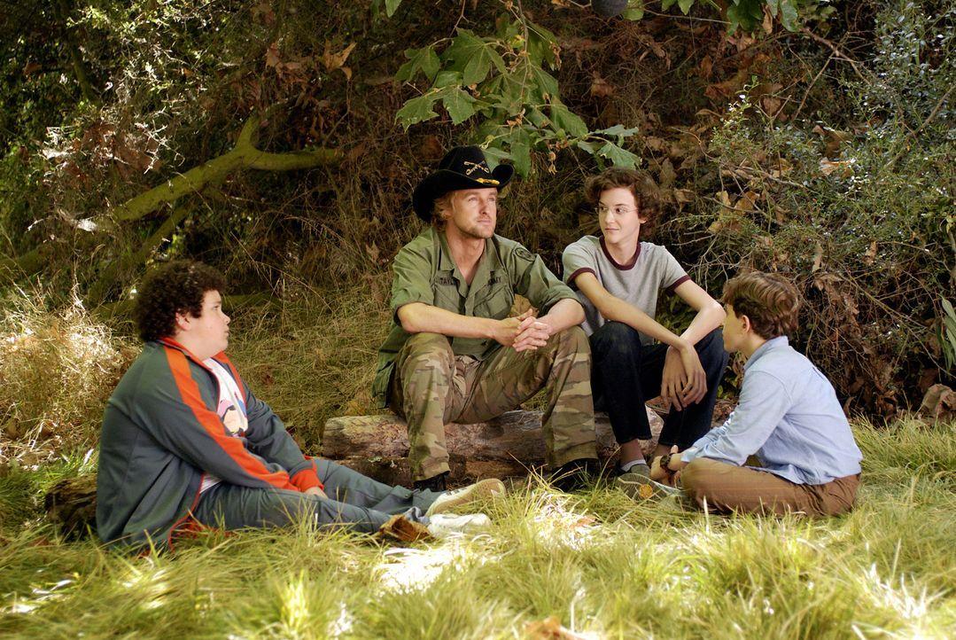 Ziehen mit ihrem Bodyguard Drillbit Taylor (Owen Wilson, 2.v.l.) das große Los: Emmit (David Dorfman, r.), Ryan (Troy Gentile, l.) und Wade (Nate H... - Bildquelle: 2007 Paramount Pictures
