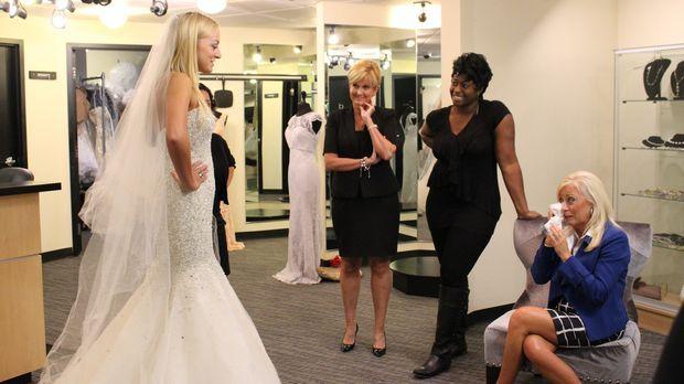 YouTube Star Taylor (l.) hatte eigentlich bereits ihr perfektes Hochzeitsklei...