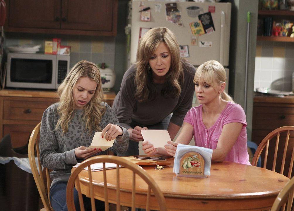 Eine ganz besondere Familie: Bonnie (Allison Janney, M.), Christy (Anna Faris, r.) und Violet (Sadie Calvano, l.) ... - Bildquelle: Warner Bros. Television