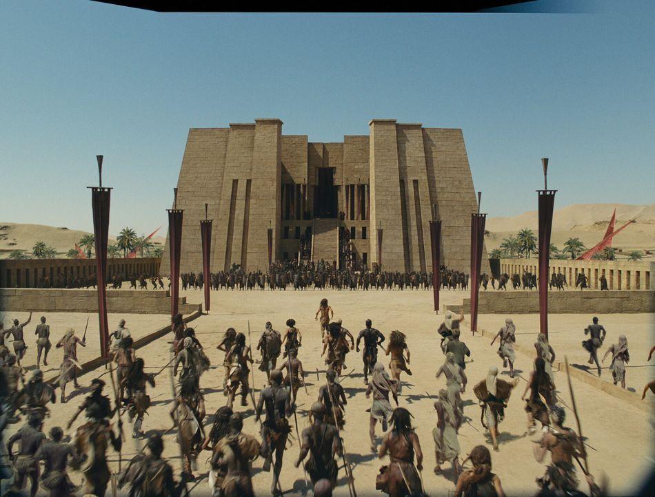 Im Schatten monumentaler Pyramiden organisieren D'Leh und seine Mitstreiter den Aufstand gegen einen Gott, der seine Macht missbraucht und ein bruta... - Bildquelle: Warner Brothers
