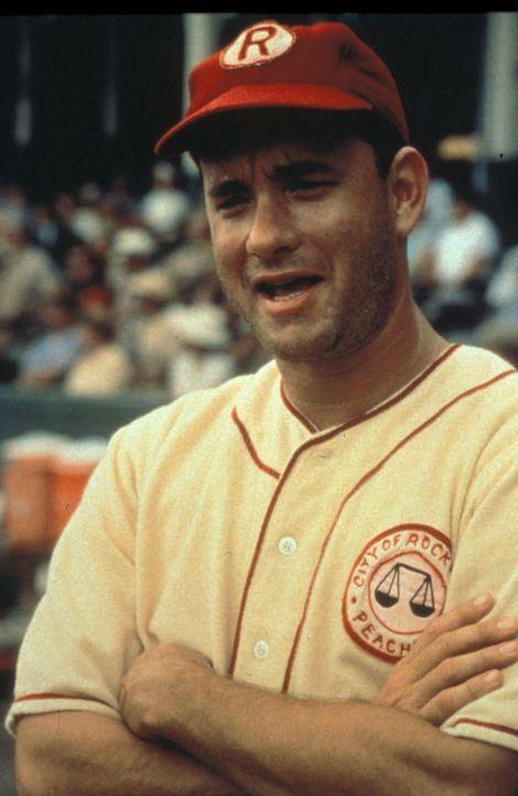 Der abgehalfterte, stets betrunkene Jimmy Dugan (Tom Hanks), ein ehemaliger Profispieler, soll die Frauenmannschaft trainieren ... - Bildquelle: Columbia Pictures