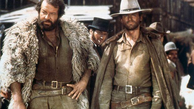 Django (Terence Hill, r.) und Dan (Bud Spencer, l.) machen sich auf die Suche...