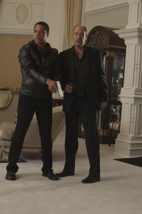 Schon seit er ein kleiner Junge war, arbeitet Joshua (Cuba Gooding Jr., l.) für Gangsterboss Vincent (Miguel Ferrer, r.). Allerdings trägt er sich i... - Bildquelle: Paramount. All Rights Reserved.