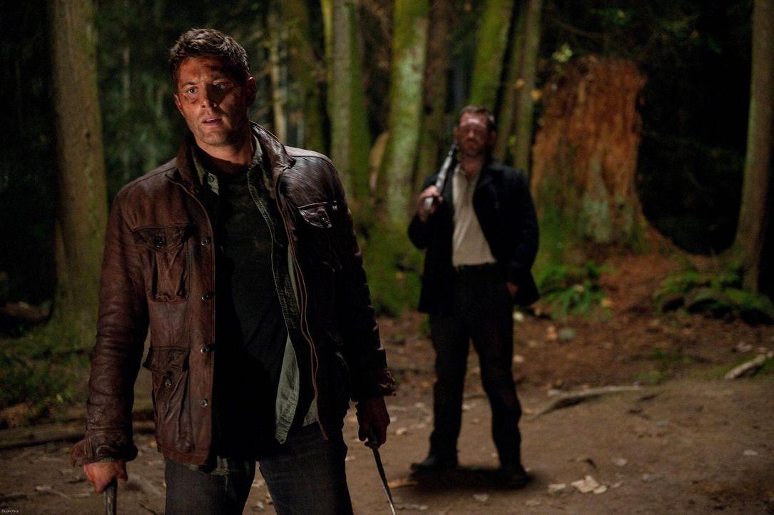 """""""Traue keinem!"""" ist die Devise im Fegefeuer, aber Benny (Ty Olsson, r.) und Dean (Jensen Ackles, l.) müssen zusammenarbeiten, um ihre Ziele zu errei... - Bildquelle: Warner Bros. Television"""