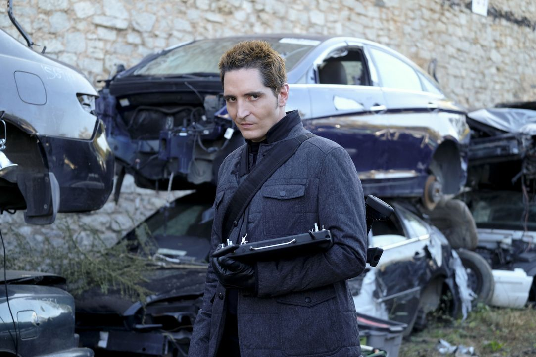 Hat es auf das Leben von MacGyver abgesehen: Der Auftragskiller Murdoch mit dem Codenamen S-218 (David Dastmalchian). - Bildquelle: 2016 CBS Broadcasting, Inc. All Rights Reserved