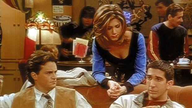 Ross (David Schwimmer, r.) fühlt sich seiner zukünftigen Vaterrolle immer noc...