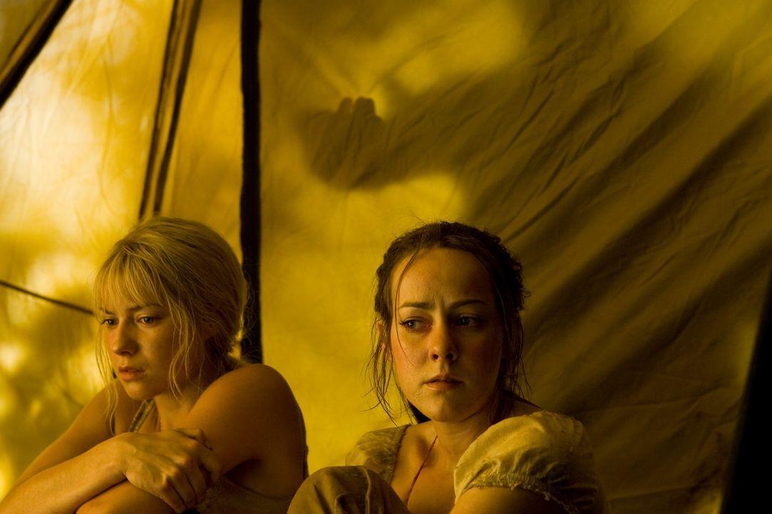Als Amy (Jena Malone, r.), Stacy (Laura Ramsey, l.) und ihre Freunde den Pool-Landschaften Cancúns den Rücken kehren und stattdessen einer geheimnis... - Bildquelle: 2008 DreamWorks LLC. All Rights Reserved.l