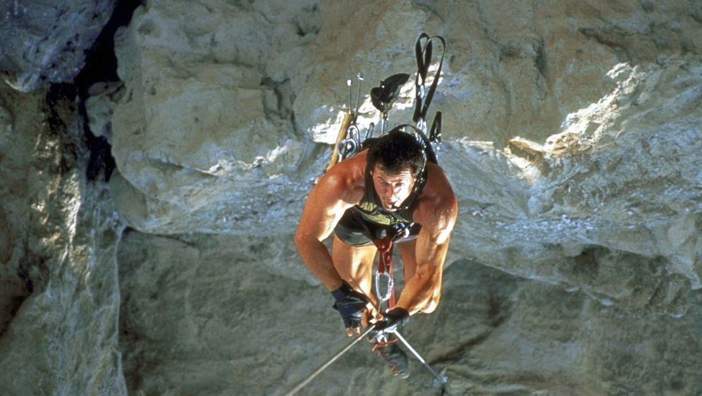 Cliffhanger - Nur die Starken überleben - Bildquelle: 1993 Cliffhanger B.V. All Rights Reserved.