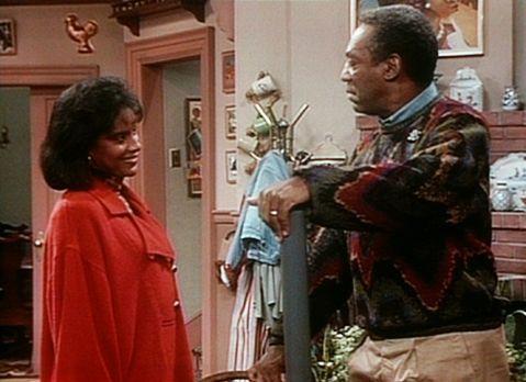 Bill Cosby Show - Cliff (Bill Cosby, r.) erklärt Clair (Phylicia Rashad, l.),...