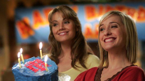 Es ist Clarks Geburtstag. Die Abwechslung kommt recht, finden Chloe (Allison...