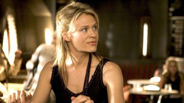 Wird Beka (Lisa Ryder) ihrem alten Captain helfen, den Finderlohn für ein wer...