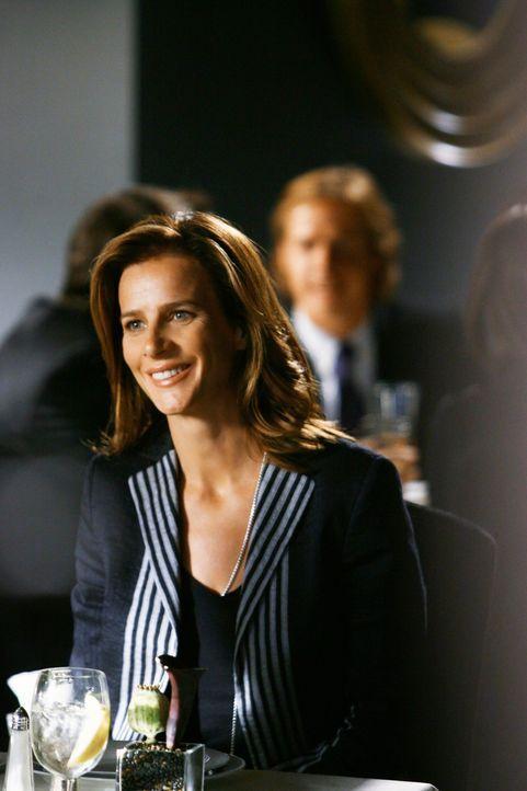 Führt ihr erstes Bewerbungsgespräch seit der Schulzeit: Sarah (Rachel Griffiths) ... - Bildquelle: 2008 ABC INC.