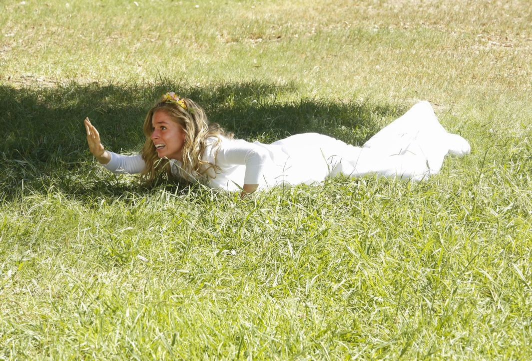 Was ist mit Lisa (Allie Grant) nur los? - Bildquelle: Warner Bros. Television